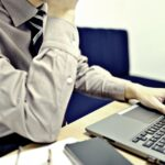 運送業2024年問題で「事務職」の労働時間はどうなる?